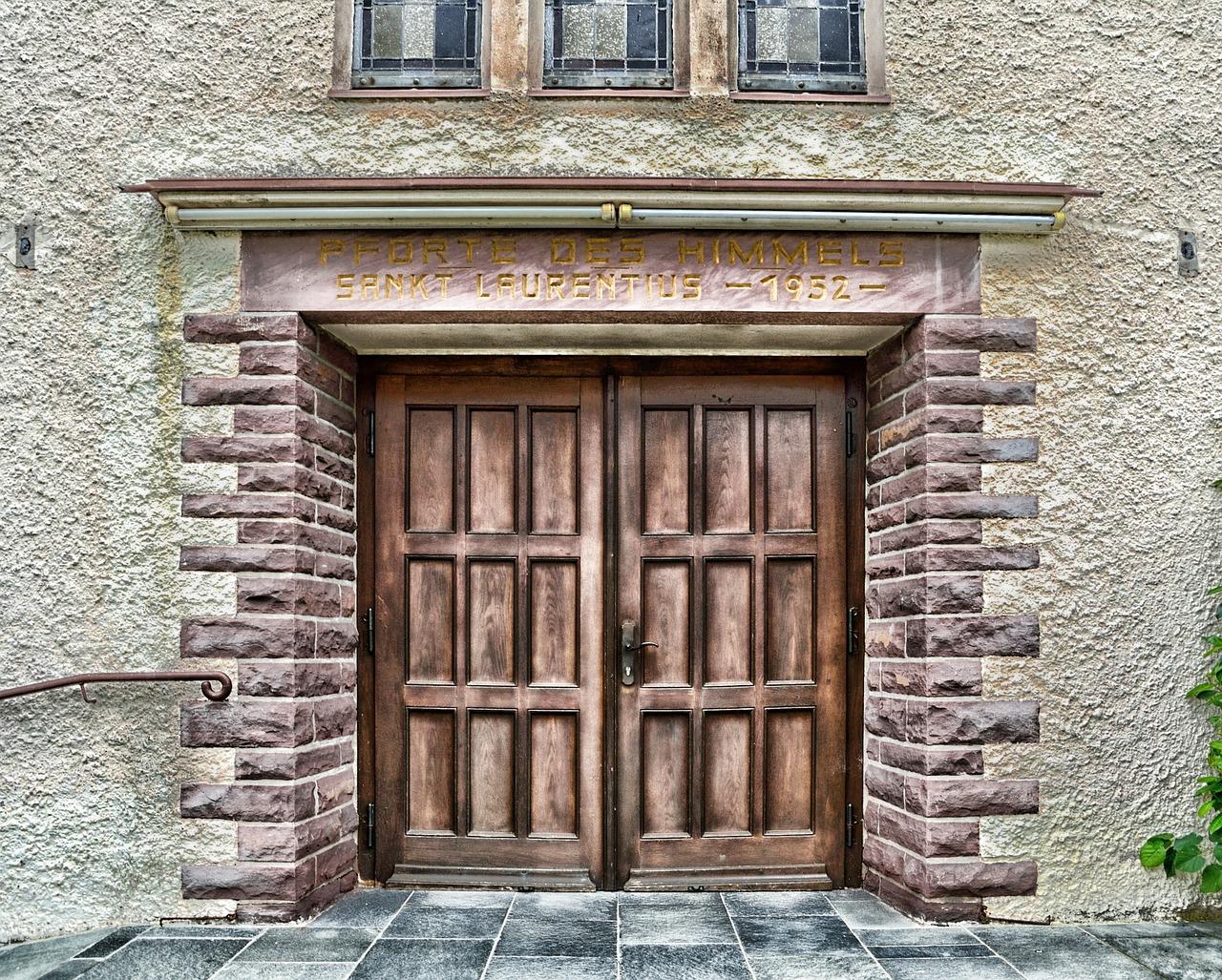 Drzwi zewnętrzne przesuwne na zamówienie. Jak można wybrać odpowiednie drzwi do domu i nie tylko?