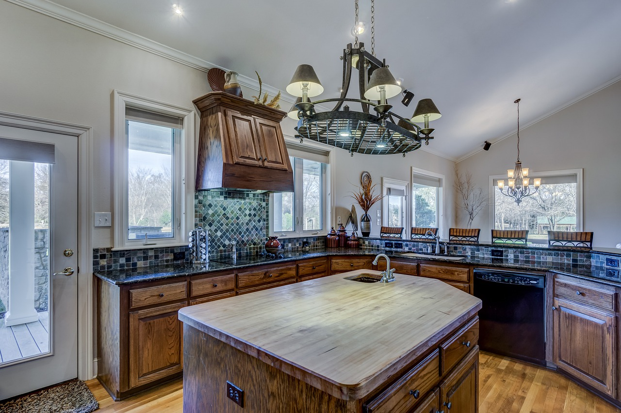 Kamień ozdobny na ścianę w kuchni. Kamień dekoracyjny w kuchni – nie tylko design. Kuchnie Żory