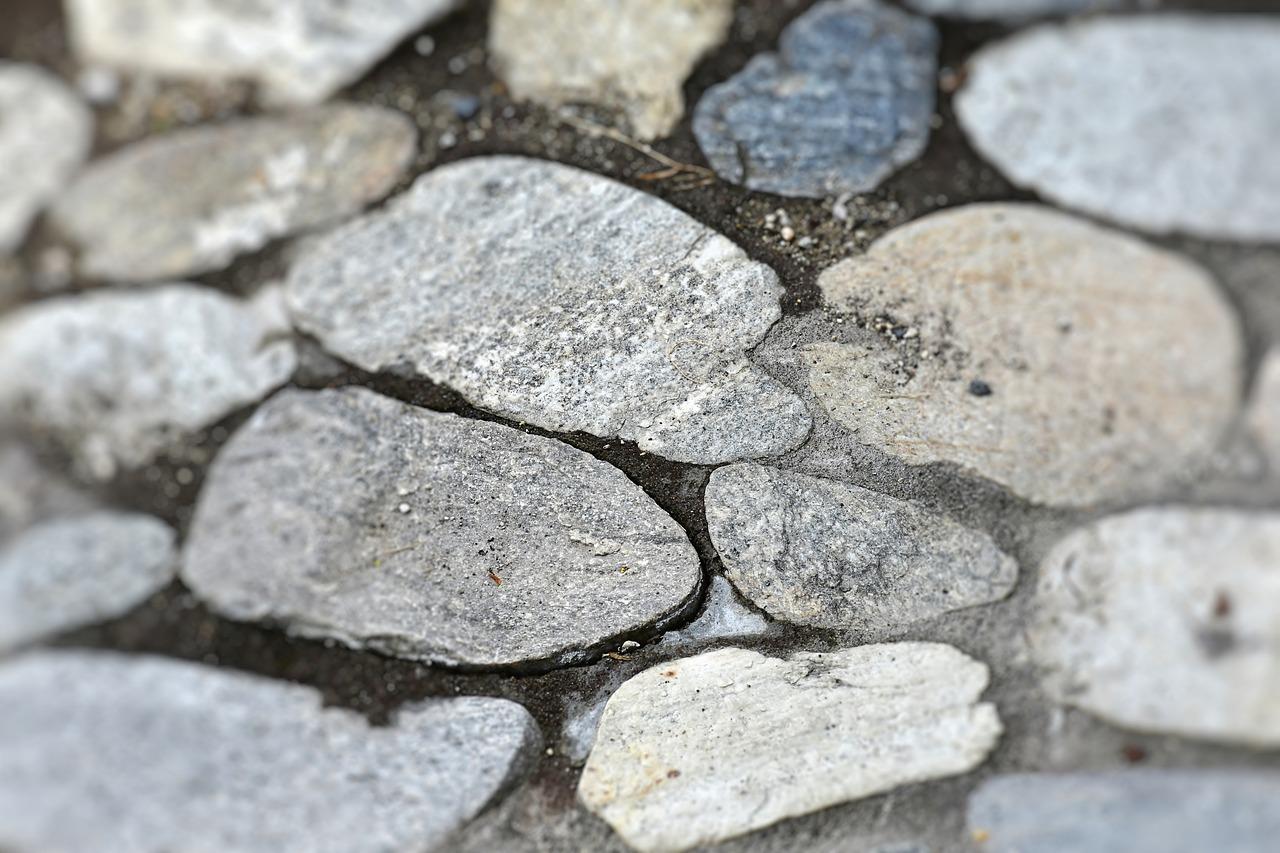 Kamienna podłoga – zalety i wady. Podłoga z kamienia naturalnego