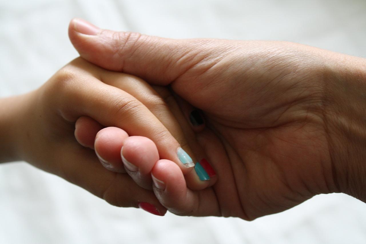 Przedłużanie paznokci – różne metody stylizacji