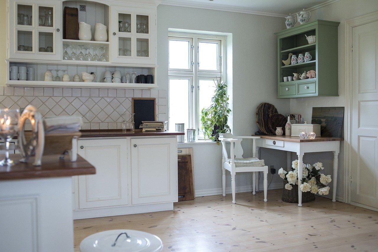 Czy warto zakupić białe meble kuchenne? Czy białe meble kuchenne żółkną