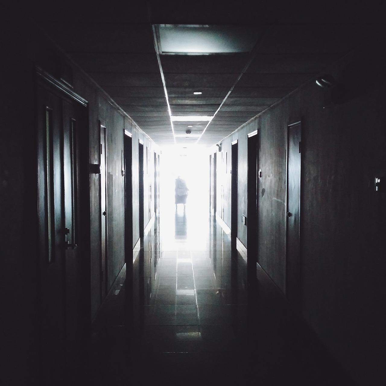 Mamy ciemny korytarz